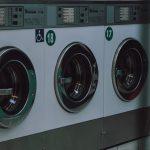 Így szennyezi a környezetet a műszálas ruhák mosása